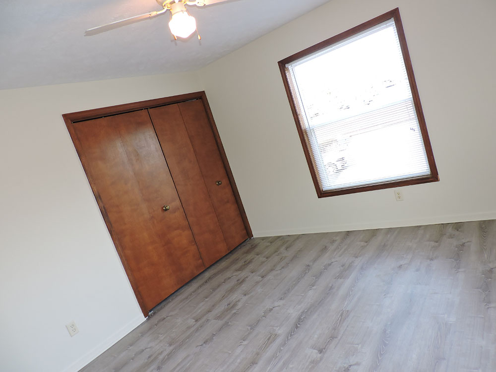 4plex-d-bedroom1